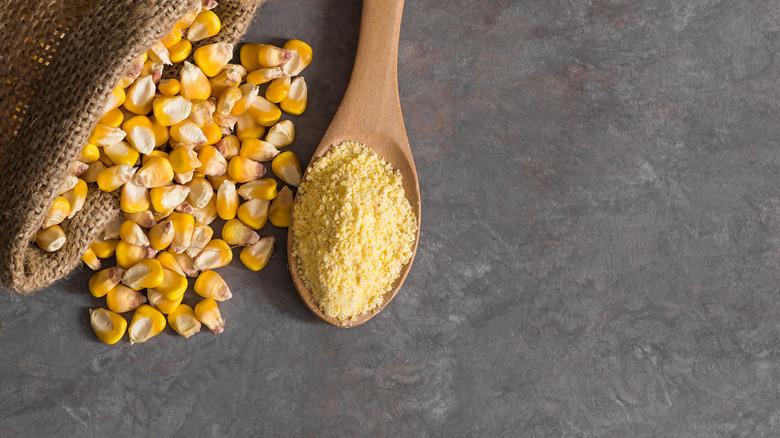 Corn flour and kernels