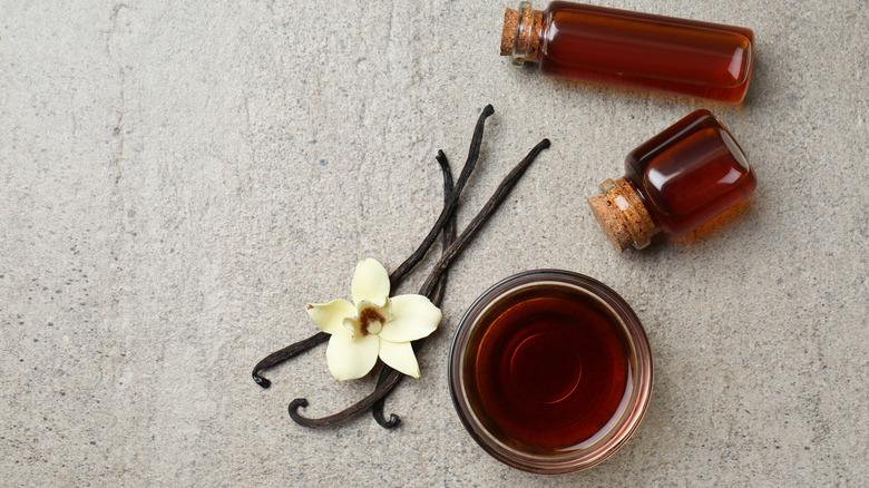 Vanilla extract and pod