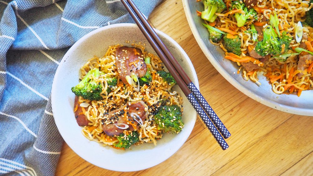 20-minute beef and broccoli lo mein