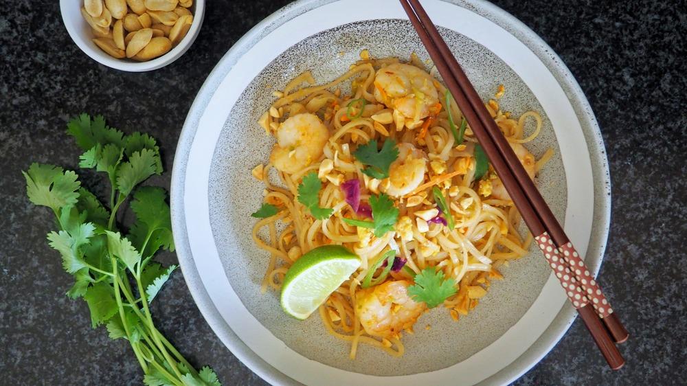20-minute shrimp pad Thai