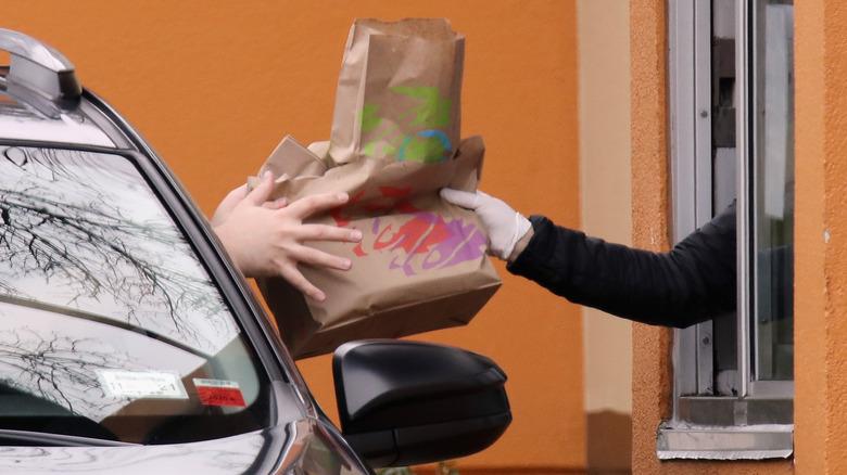 Taco Bell drive thru order