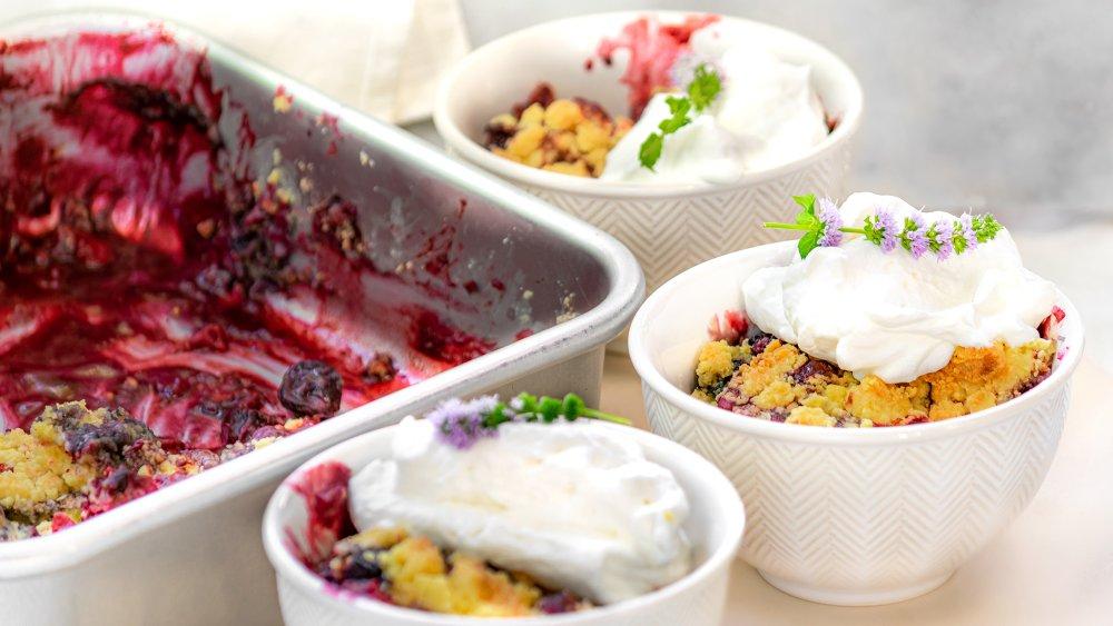 3-ingredient berry cobbler