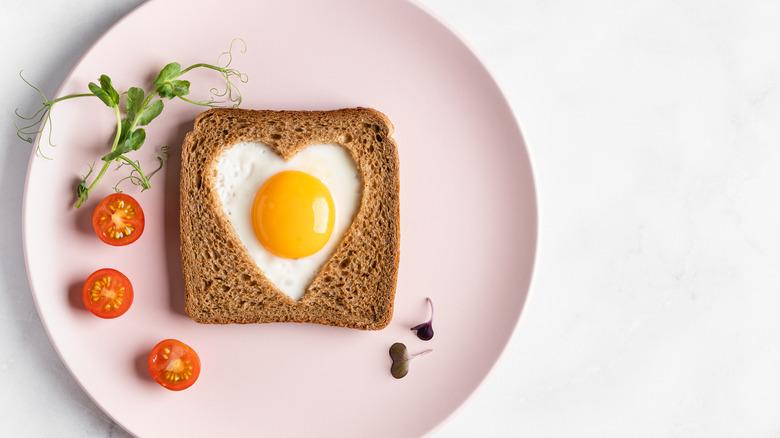 breakfast fried egg in toast