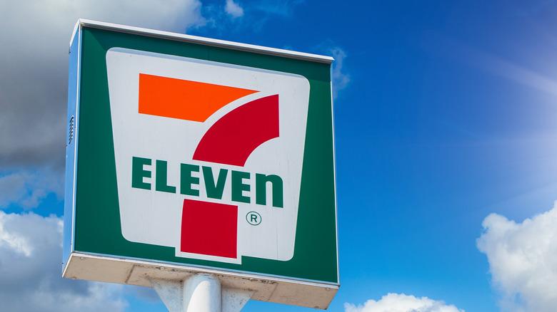 7-Eleven exterior signage