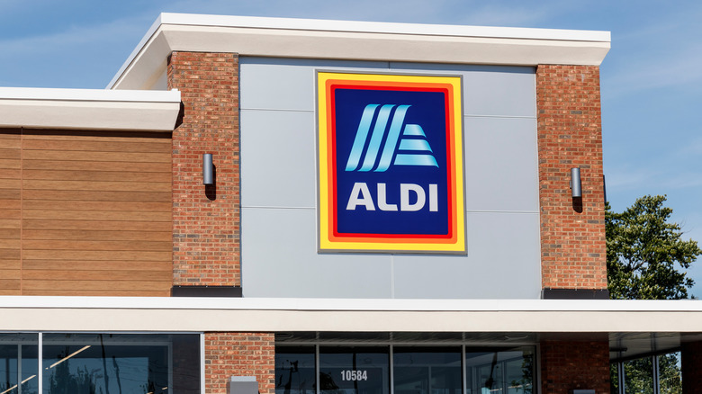 Aldi building seen from the outside