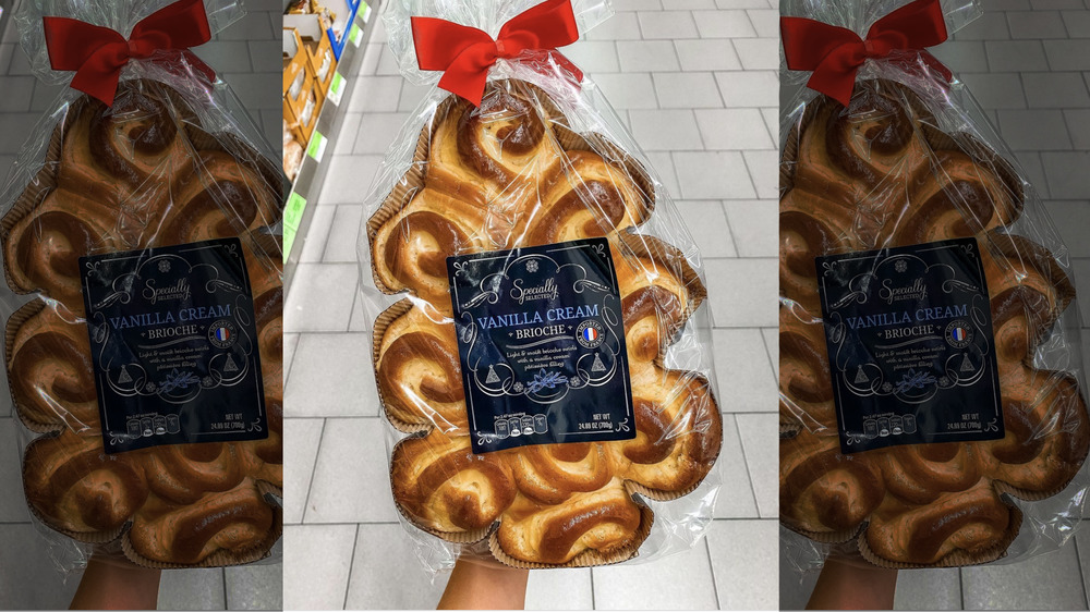 Christmas tree-shaped Brioche Specially Selected Aldi