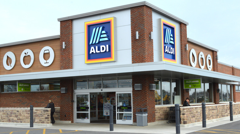 Exterior of an Aldi store location