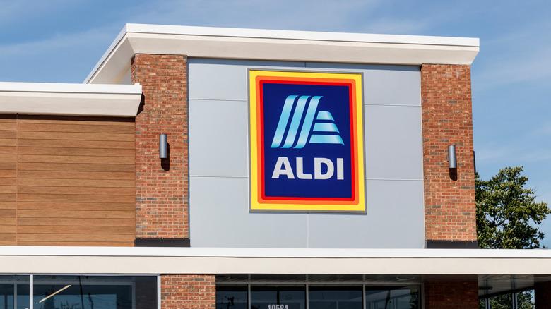 Aldi signage on an Aldi location