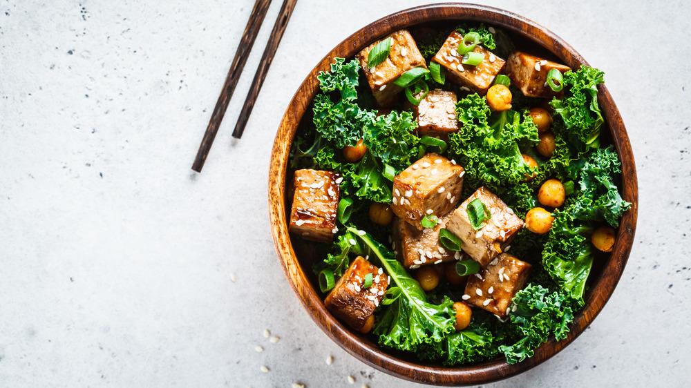 tofu kale salad in bowl