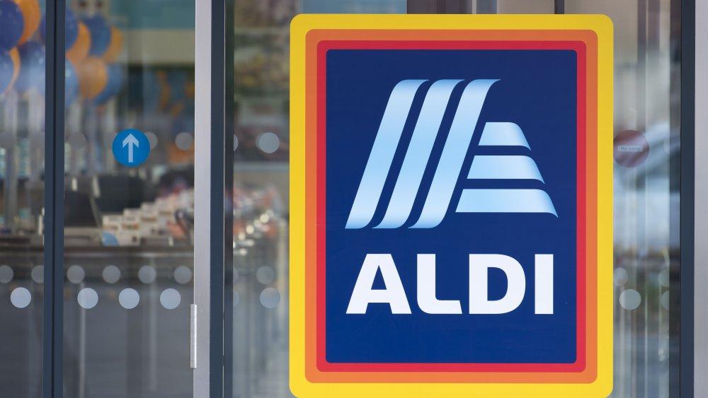 sliding doors of an Aldi store