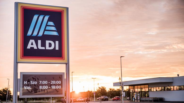 Sunrise behind Aldi sign