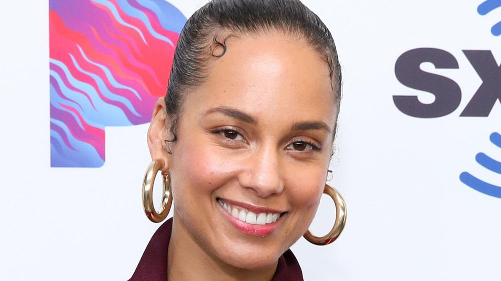 Alicia Keys smiling big