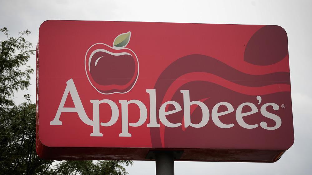 Red Applebee's sign
