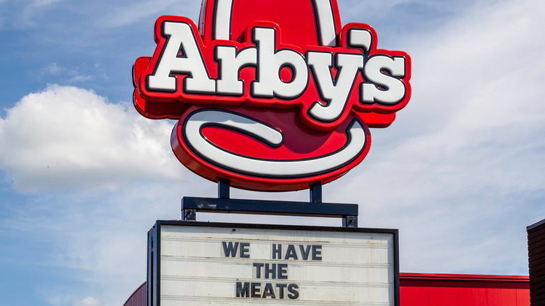 arby's store sign