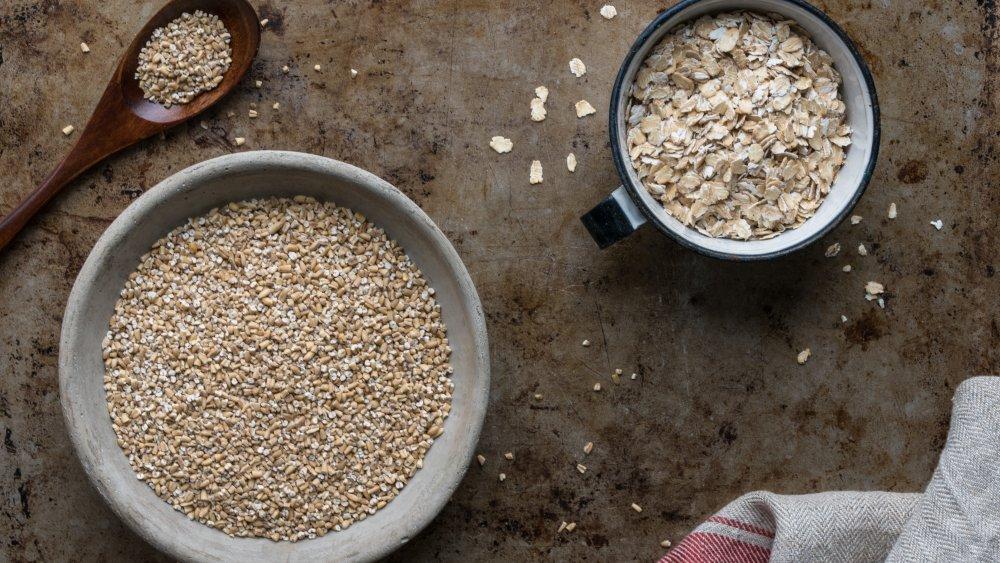 oats, steel cut, rolled, oatmeal