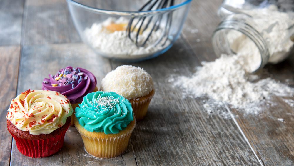 Cupcakes and flour