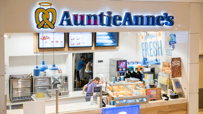 Auntie Anne's pretzel location