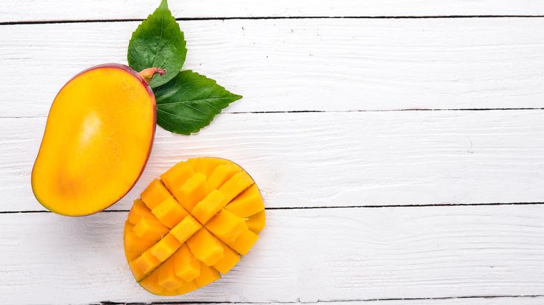 mango skin