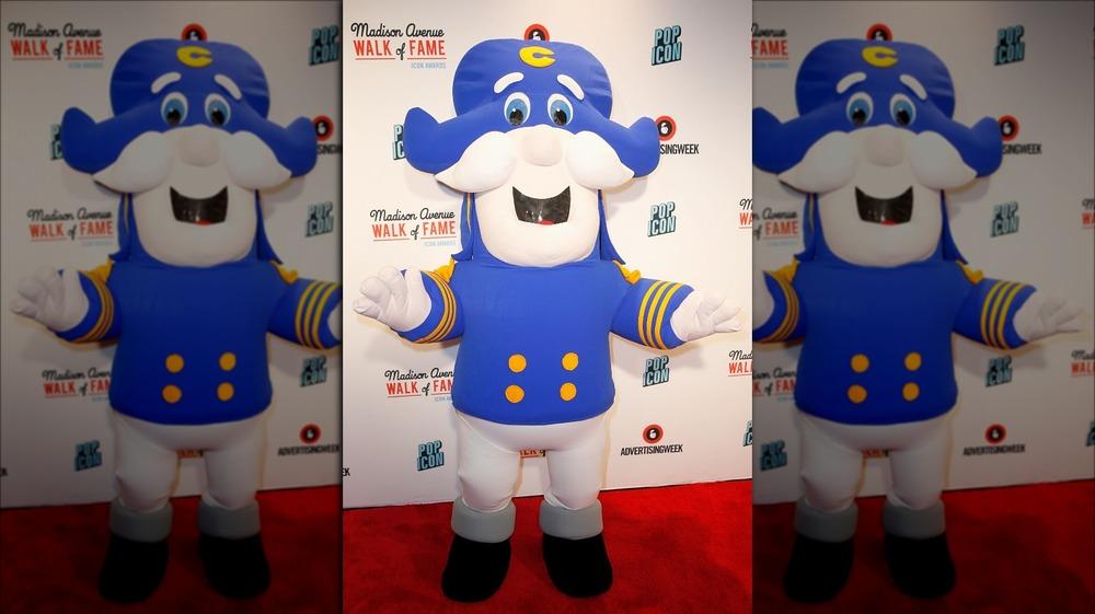 Cap'n Crunch mascot