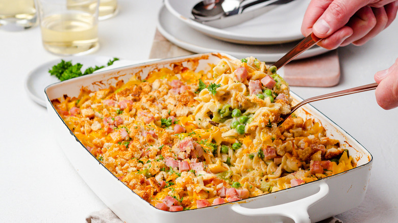 cheesy ham and noodle casserole
