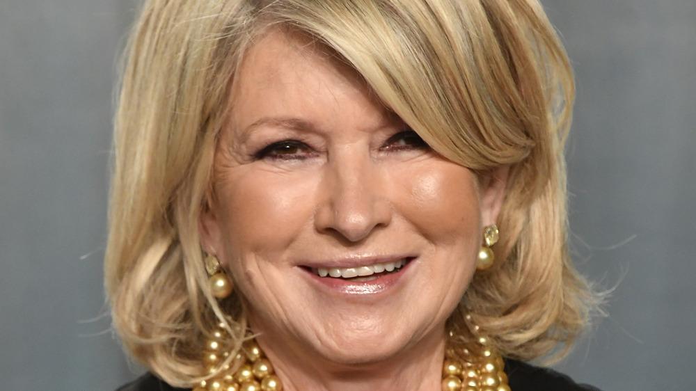 Martha Stewart smiling on red carapet