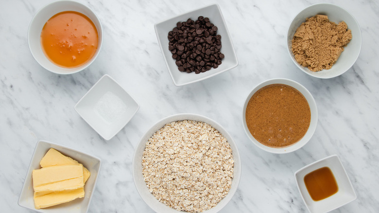 Ingredients for peanut butter chocolate chip granola bars