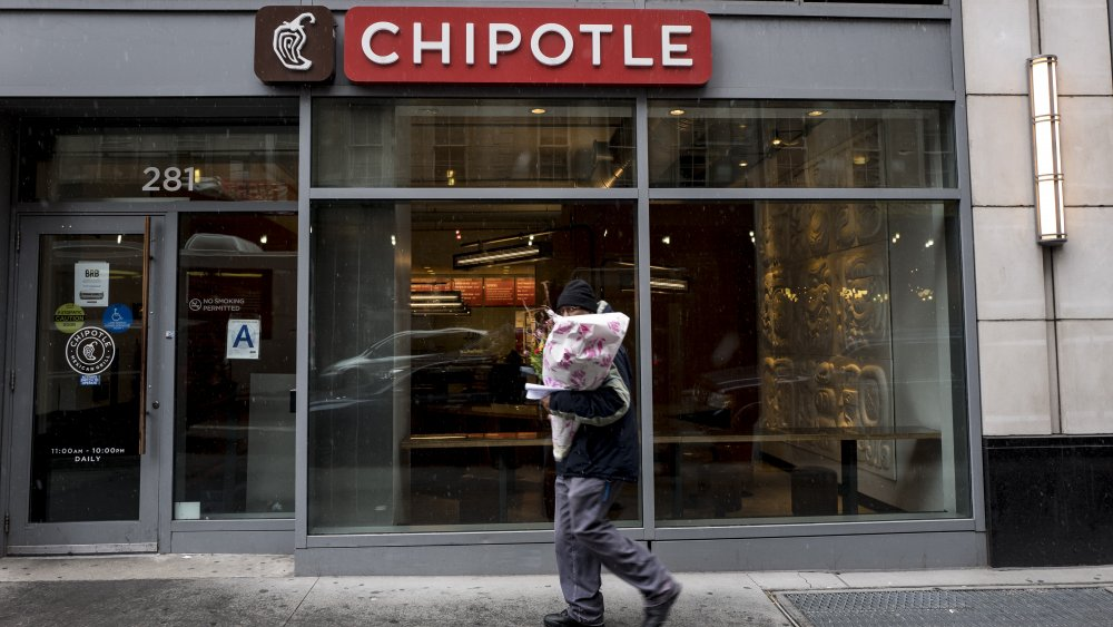 An empty Chipotle. The young people's nightmare(?). The point of the article -- though this one is from 2016, sooooooooo...
