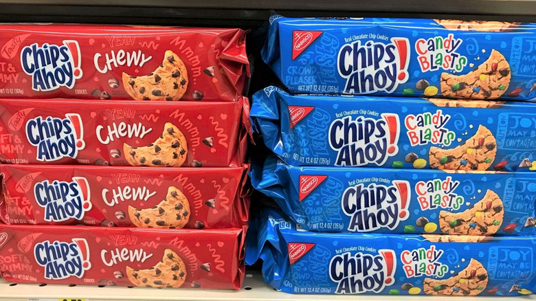 Chips Ahoy packages in grocery store