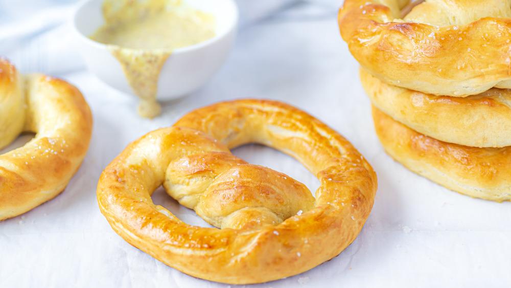 Copycat Auntie Anne's pretzels served