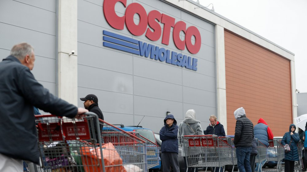 Costco and customers