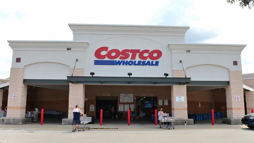 Costco wholesale club exterior