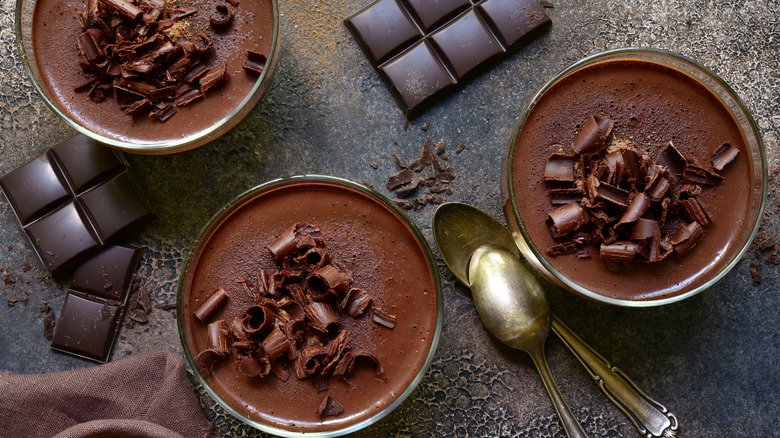Chocolate mousse cups with spoon