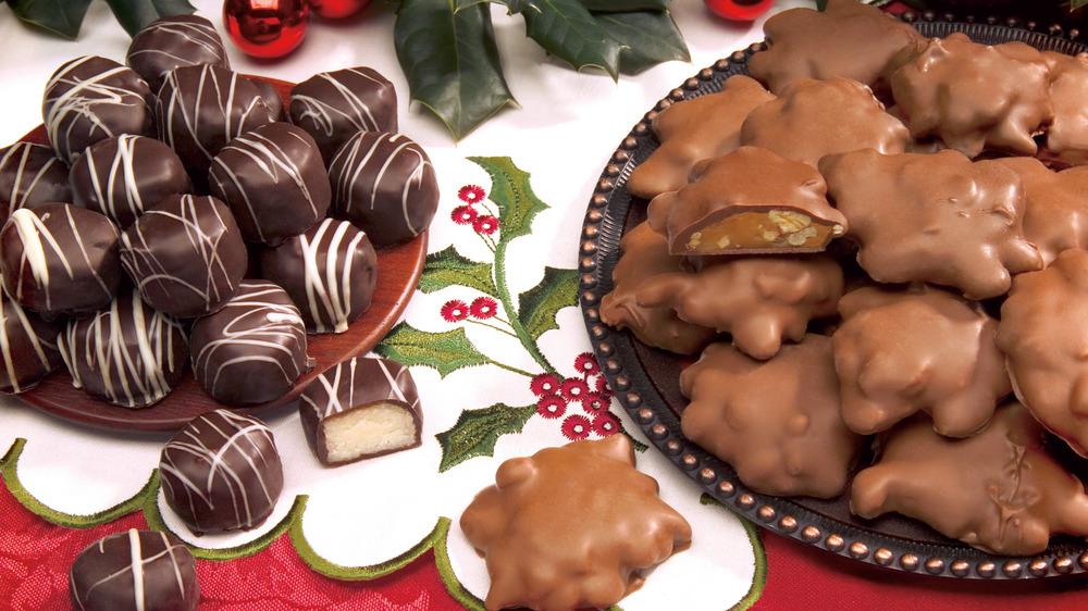 milk chocolate pecan clusters