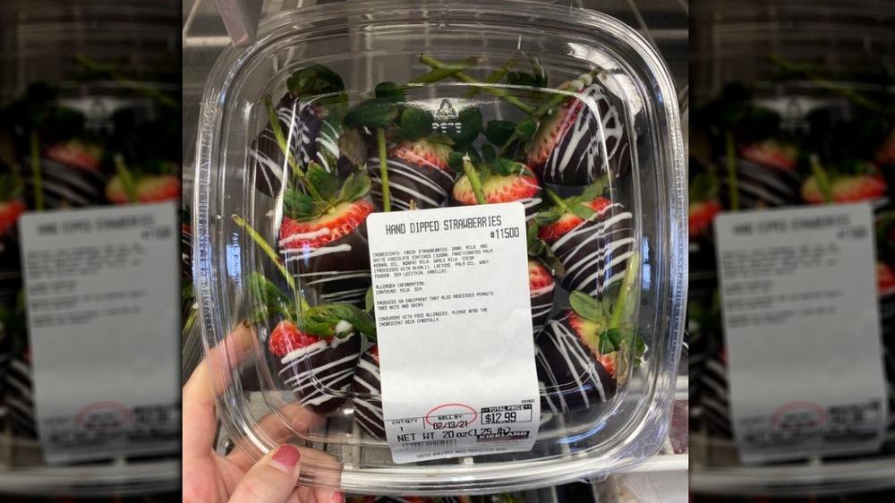 Costco chocolate-covered strawberries