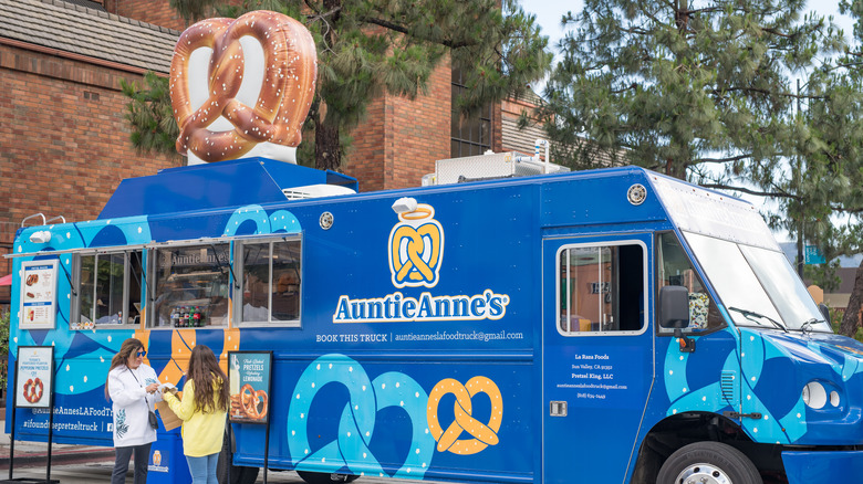 Aunt Anne's food truck