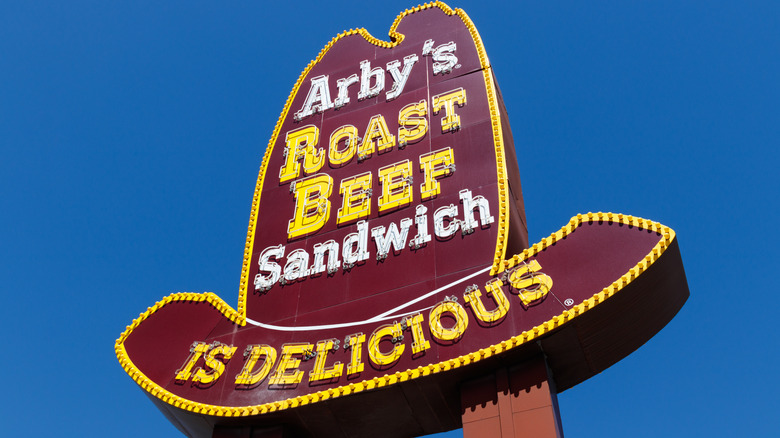 Arby's hat-shaped sign