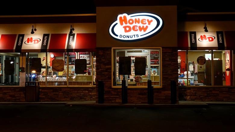 Honey Dew Donuts shop