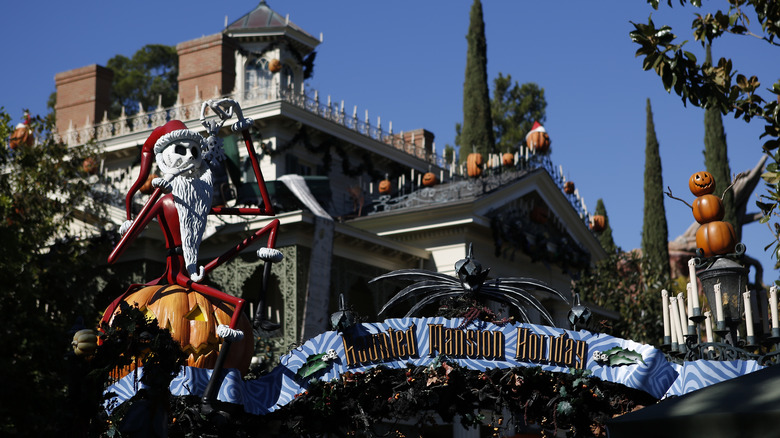 Image from Haunted Mansion Holiday