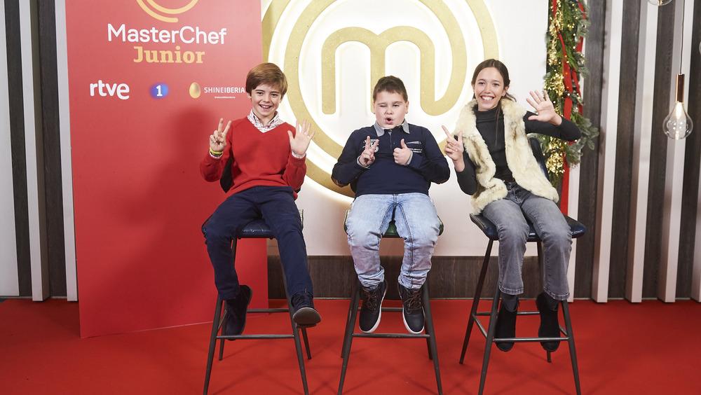 MasterChef Junior contestants posing