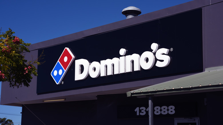 Domino's sign