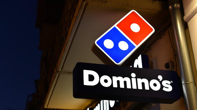Dominos sign