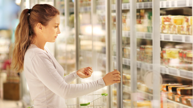 Shopping for frozen food