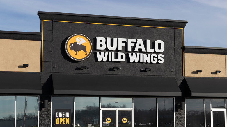 Buffalo Wild Wings store front