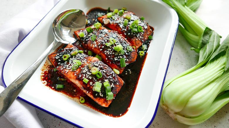 ginger and salmon baking dish