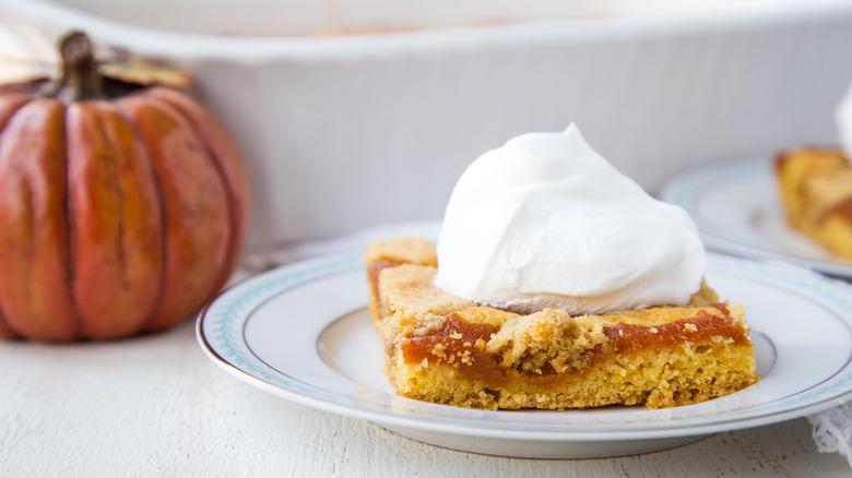pumpkin bar with whipped cream