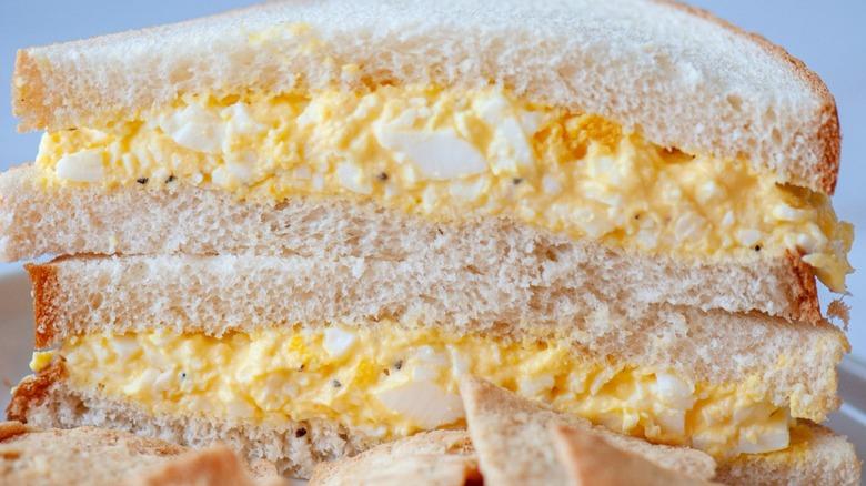 Egg salad sandwich with pita chips
