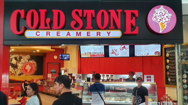 Customers at Cold Stone Creamery