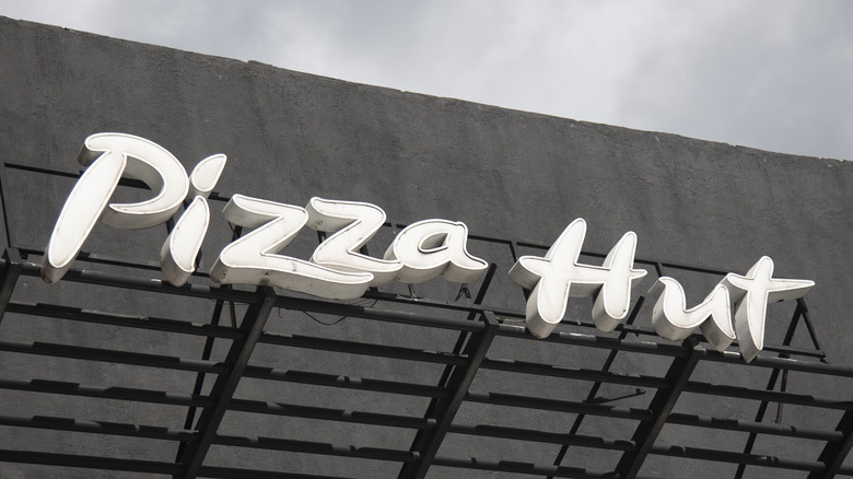 Outside of a Pizza Hut