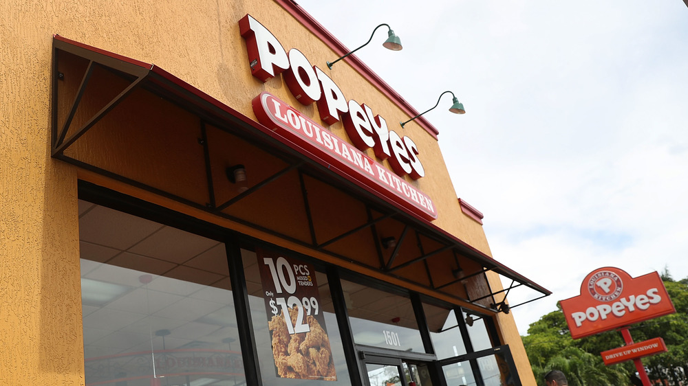 Popeyes exterior with signs
