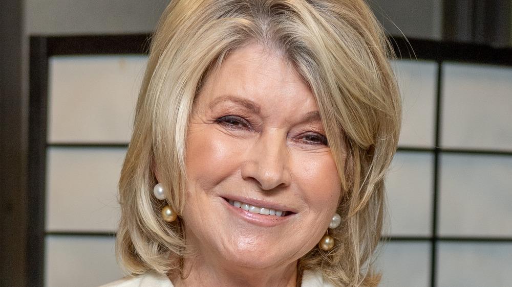 Martha Stewart head tilt